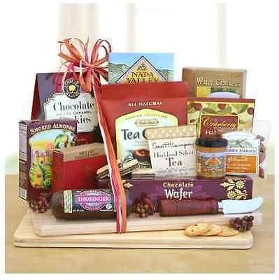 GOURMET-GIFT-BASKET-CUTTING-BOARD-SALAMI-CHEESE-CRACKERS-COOKIES-great-snacks