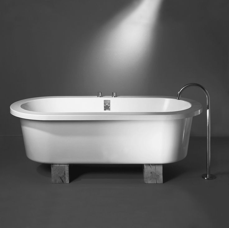 XO 7000 / XO 7020 Zen bath with oak sleepers