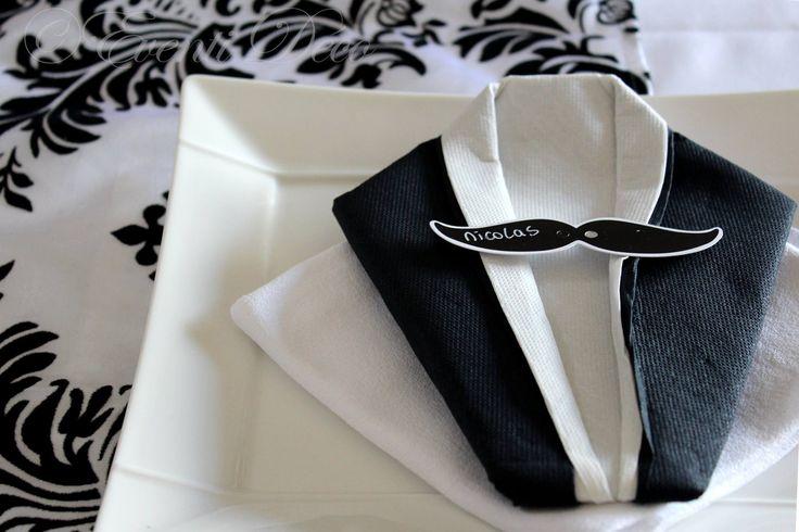 Les 25 meilleures id es de la cat gorie pliage serviette costume sur pinterest - Pliage serviette costume ...
