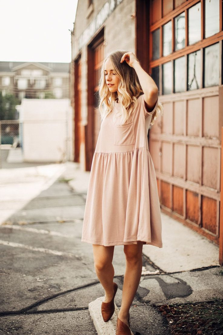 THE PORTRAIT EMPIRE DRESS IN BLUSH// DRESSES// WOMENS CLOTHING// DRESSES CASUAL
