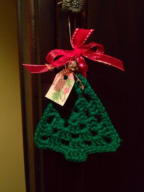 Crochet Christmas Ornament: no pattern, just inspiration.