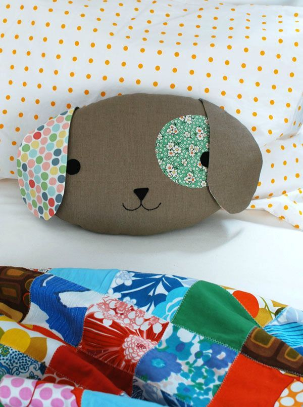 Sew a Cute Puppy Pillow Softie (via craft.tutsplus.com) #FreePattern #FreeTutorial #Sewing #Softie #FreeSoftiePattern #Pillow #Puppy
