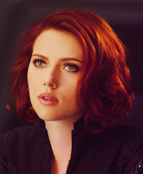 Her hair is just gorgeous. <3 Love the makeup here, too. I love that hair color
