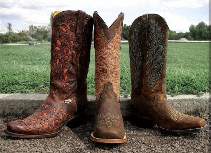 Elige tu estilo, elige #Rudel.  #Botas #bombay #cowgirl #vaquera #charreria #cowgirls #boots #woman #style #fashion #styles #lady #botasvaqueras #vaquerafashion #fashion #dama #Cowgirlfashion #ranchlife #rodeo #welive #coachella #coachella2017 #Country #happy #westernfashion #shopping #Rudelvabien