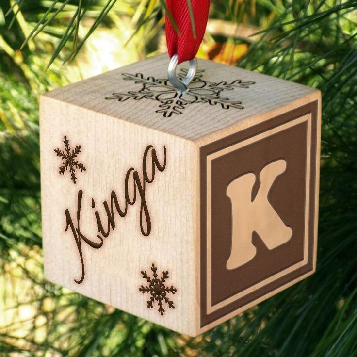 Gravírozott fa karácsonyfa dísz egyedi névvel - kocka