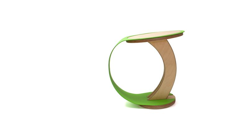 The wedding stool unites wood and metal in holy matrimony, before the eyes of design. At least their marriage will last!