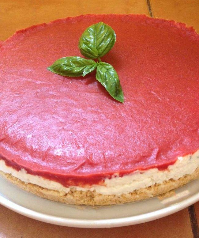 Cheesecake salata al pomodoro un buonissimo antipasto fresco http://cuciniamo.mammeonline.net/cheesecake-salata-al-pomodoro/