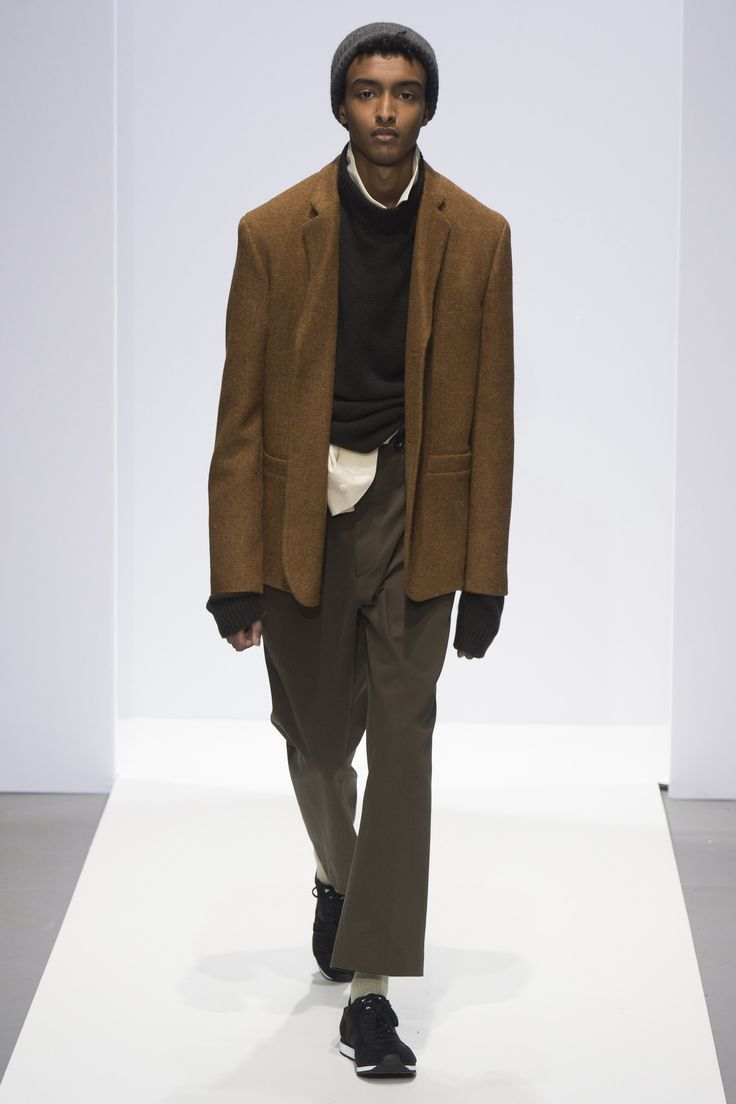 See the complete Margaret Howell Fall 2017 Menswear collection.