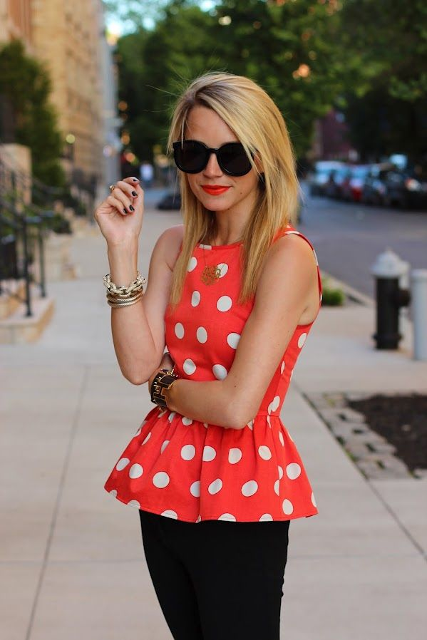 polka dots: Polka Dots Tops, Outfits, Fashion, Peplum Shirts, Peplum Tops, Dots Peplum, Clothing, Street Style, Minnie Mouse