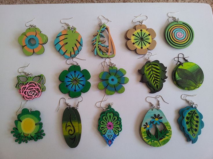 hand-painted earrings green2