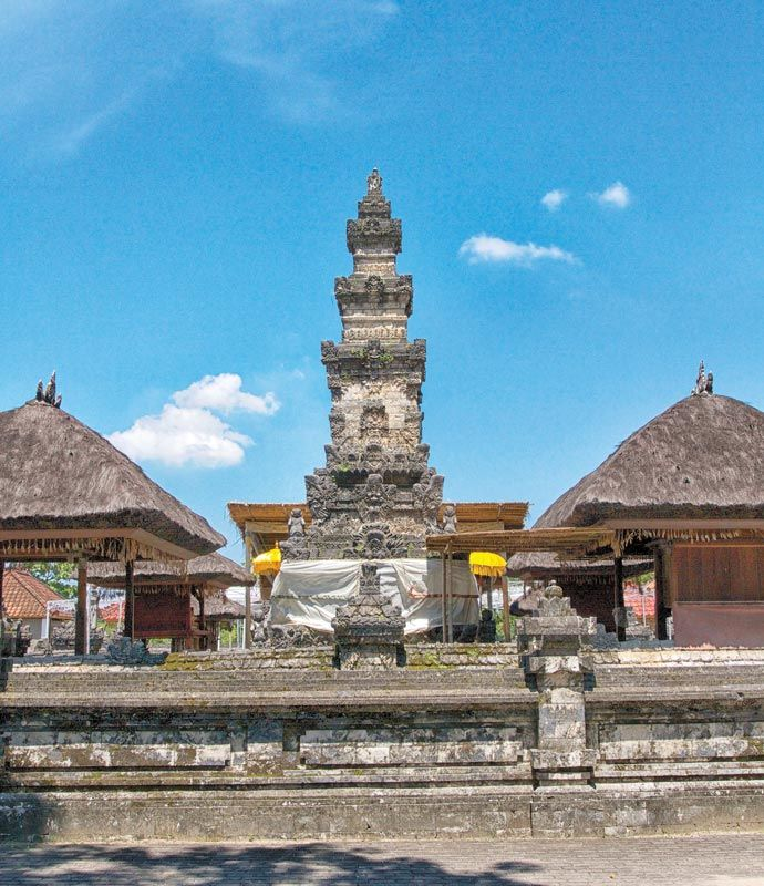 """purasakenan_""""Sets on the Northwest part of Serangan village, Pura Sakenan is an important temple that has been appointed as one of cultural tourist destinations in Bali."""""""
