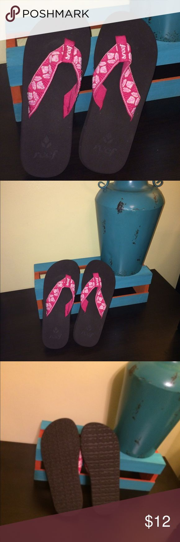 REEF Pink Lily Ladies Flip Flops Worn once - EUC. Sole is 10 inches with EVA for durability. Reef Shoes Sandals