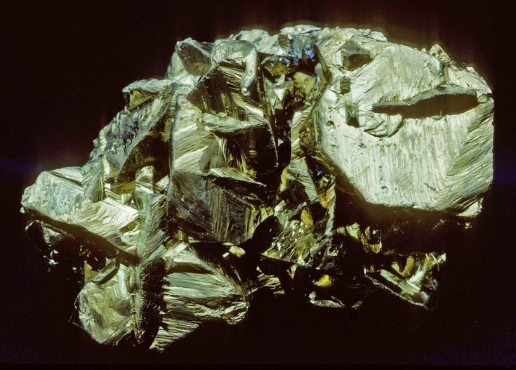Chalcopyrite, Huanzala Mine, Huallanca District, Dos de Mayo Province, Huánuco Region, Peru. Size: 10 cm.   Copyright: Rock Currier
