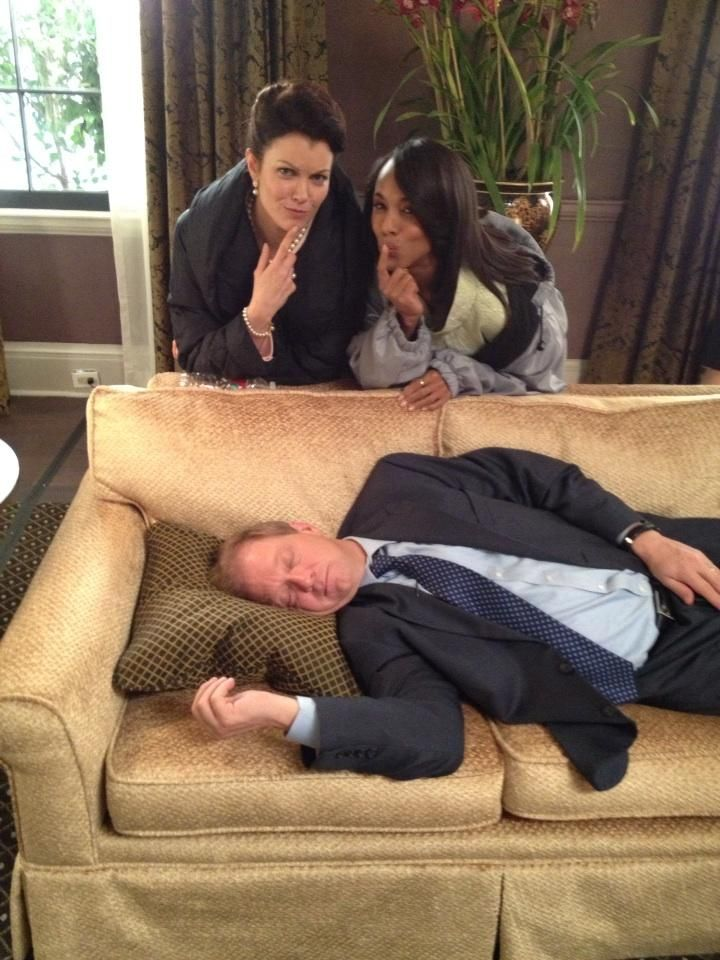 Scandal Cast - Kerry Washington (Olivia), Bellamy Young (Mellie), Jeff Perry (Cyrus)