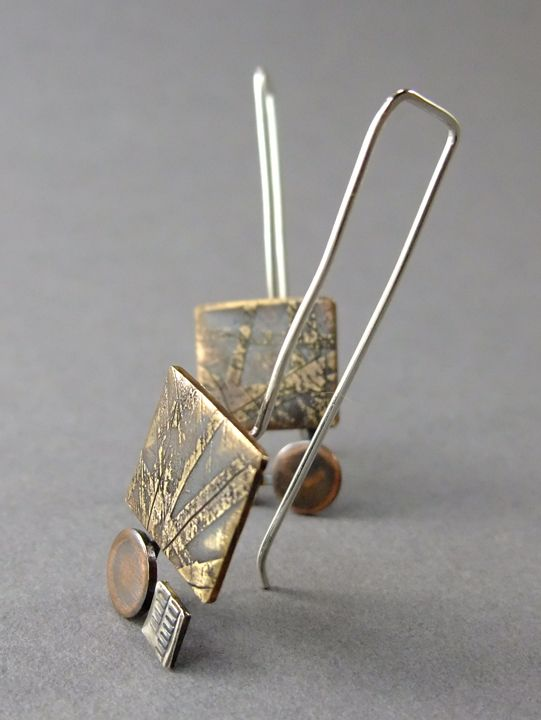 Thomasin Durgin Earrings ||  sterling silver, etched brass, copper ||   http://www.thomasin.com/elements.html  (541×720)