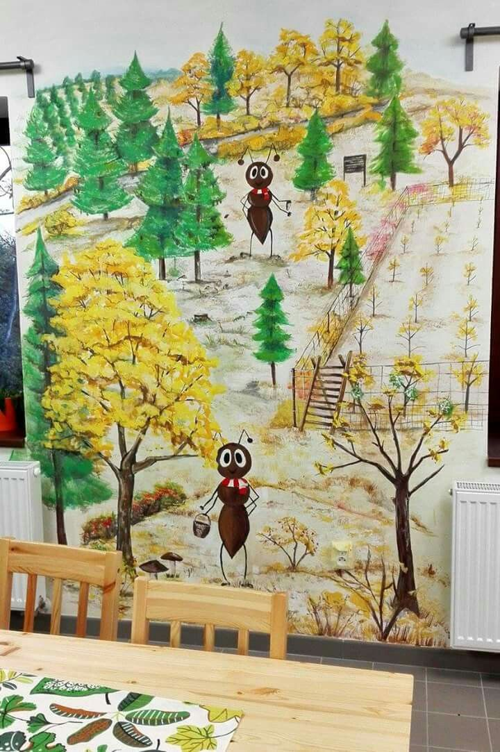 Forest _ ant _ Autumn. Mravenec Lesík
