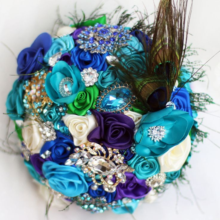 Find More Wedding Bouquets Information about Bride Creative  peacock feather bouquet, New arrival Romantic Wedding  Sky blue & purple flowers brooch bridal Bride 's Bouquets ,High Quality brooch wedding,China flower girl dress store Suppliers, Cheap flower fabric brooch from Brooch bouquets custom store on Aliexpress.com  http://hz.aliexpress.com/store/product/Bride-Creative-peacock-feather-bouquet-New-arrival-Romantic-Wedding-Sky-blue-purple-flowers-brooch-bridal-Bride/621238_32568200010.ht