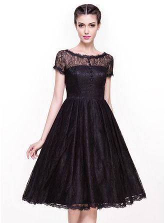 A-Line/Princess Scoop Neck Knee-Length Lace Cocktail Dress