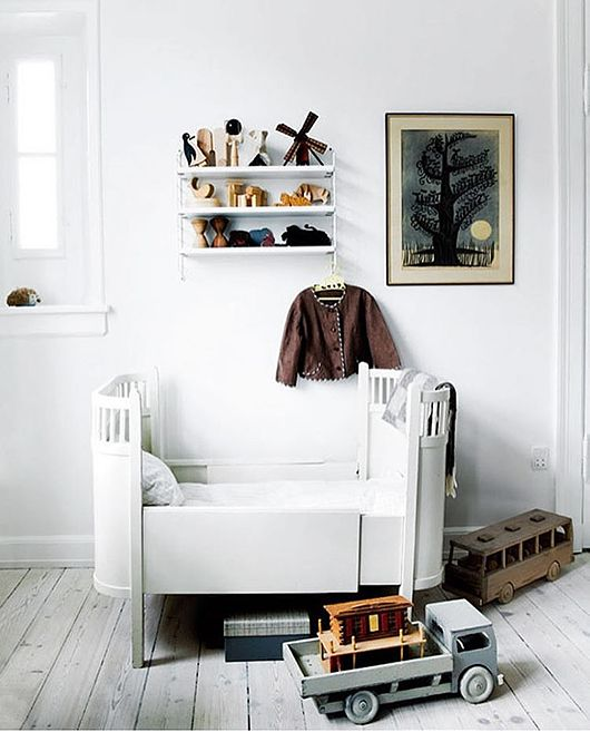 Is To Me - Interior inspiration: kid's room -String shelf available at www.istome.co.uk -Image - Trendenser