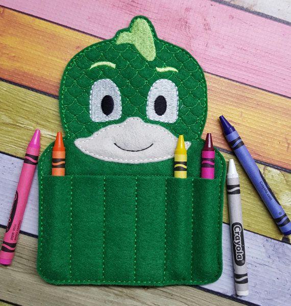 Héroe de dormir verde fieltro porta crayones por TreasuredForever
