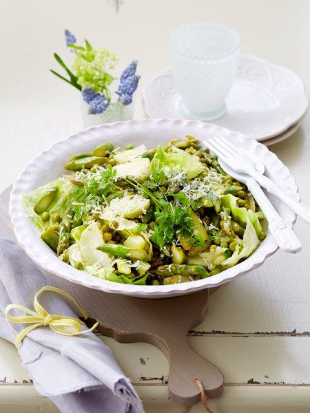 Grüner Spargelsalat mit Parmesan