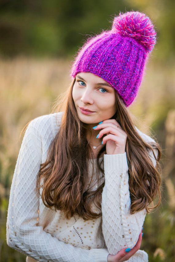 Теплая ярко-розовая шапка с помпоном из мохера для от OHANSA