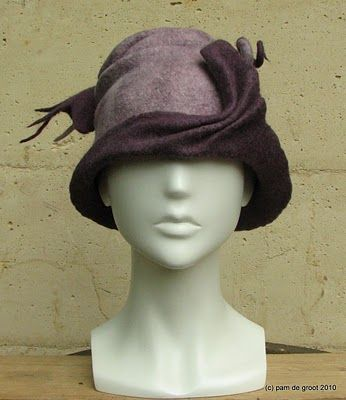 Pam de Groot: Playing with hats