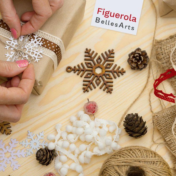 ¡Personaliza tus regalos, tarjetas y postales de #Navidad con los mejores materiales de #decoración y #scrapbook!