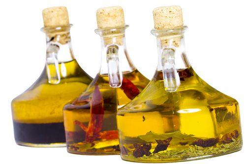 Fűszerolaj házilag – Dobd fel ételed és konyhád!