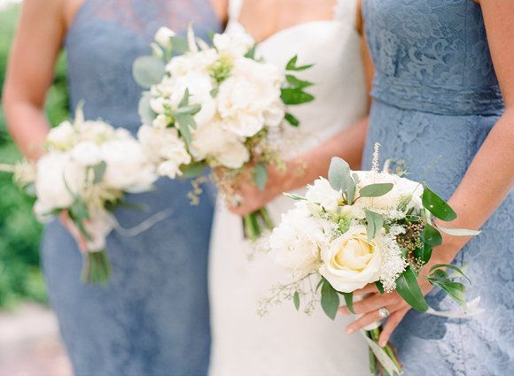 Blue and white downtown Memphis wedding
