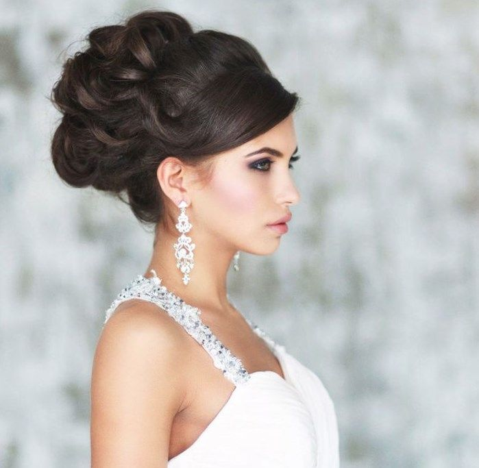 Свадебная прическа на темные волосы