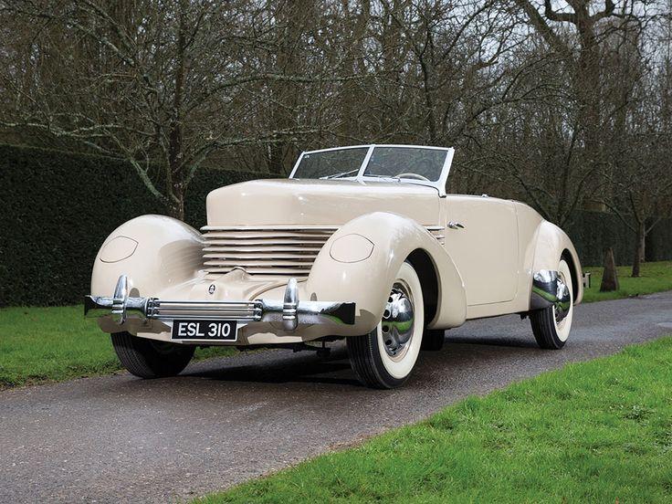 1936 Cord 810 Cabriolet | Amelia Island 2016 | RM Sotheby's