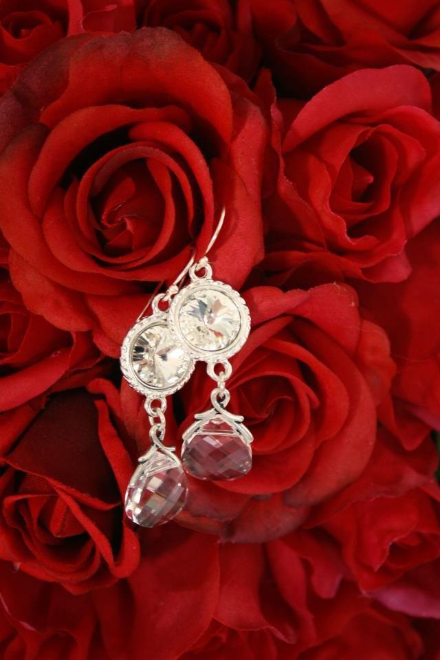 ZINNIA drop earrings in Swarovski clear crystals