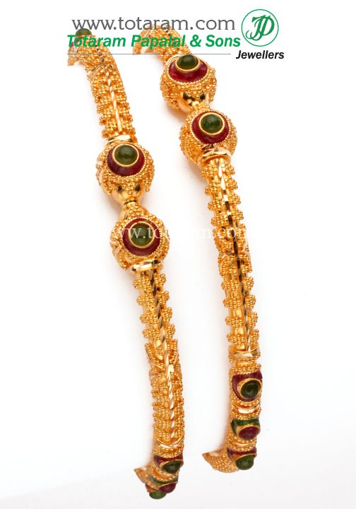 http://www.totaram.com/mm5/merchant.mvc?Screen=PROD&Store_Code=001&Product_Code=GBL437&Category_Code=GBL 22K Gold Bangle - Set of 2(1 Pair)
