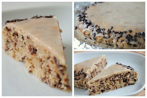 Това е една много добра рецепта за бърза орехова торта, която се прави на принципа на кекс. Става изумително пухкав и вкусен десерт.