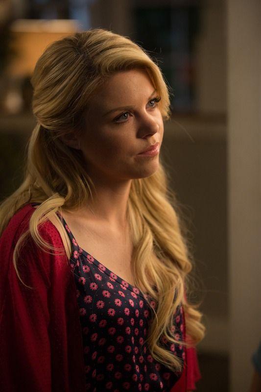 'Faking It' Season 2 Spoilers Reveal That Lauren Is Intersex & That's a Huge Step Forward
