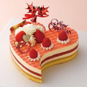 【ECOLE CRIOLLO(エコール・クリオロ)】ガイア・フレーズ・ノエル 税込 4,620円 さまざまな味が登場するサプライズいっぱいのケーキ。アーモンドたっぷりのスポンジに、世界コンクール優勝ケーキ「ガイア」の濃厚なキャラメル、なめらかなバニラムースに苺…と異なる味わいを重ねました。スプーンを入れるたびにワクワクしそう。