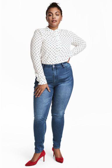 H&M+ Skinny High Jeans Model
