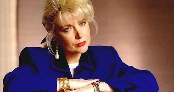 Two decades after her affair with Bill Clinton, Gennifer Flowers reveals they'd be together now if it wasn't for Chelsea and how former president confided in her that Hillary was BISEXU…