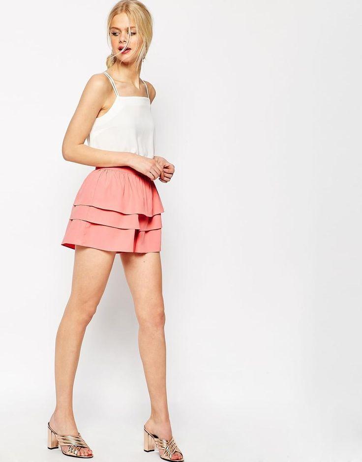 ASOS-Pantalones cortos para ocasiones especiales con detalle de volantes