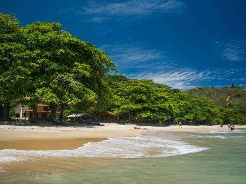 Praia do Sono, Paraty (RJ) – A belíssima e deserta Praia do Sono atrai aventureiros e fãs de uma pra... - Shutterstock