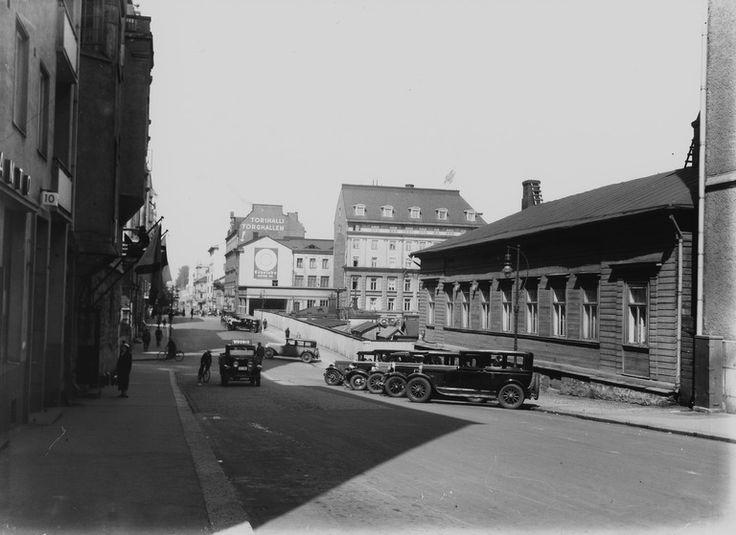 Unioninkatu 9, 11, 13   Brander Signe HKM 1930—1939   Helsingin kaupunginmuseo   negatiivi ja vedos, lasi paperi, mv