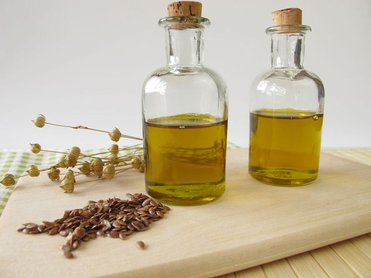 28427410 - linseed oil in small bottles