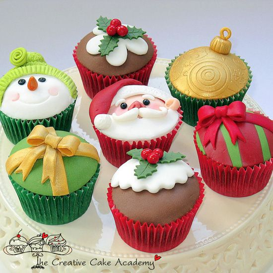 Google Image Result for http://thecupcakedailyblog.com/wp-content/uploads/2012/08/Creative-Christmas-Cupcakes.jpg