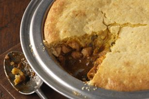 Chicken-Taco Cornbread Pie    What You Need  1 Tbsp. oil  1-1/2 lb. boneless skinless chicken breasts, chopped  1 green pepper, chopped  1 pkg. (1-1/4 oz.) TACO BELL® HOME ORIGINALS® Taco Seasoning Mix  3/4 cup water  1 cup KRAFT Shredded Cheddar Cheese  1 pkg. (8-1/2 oz.) corn muffin mix    Make It  Heat oven to 400°F. Heat oil in large skillet on medium-high heat. Add chicken; cook and stir 5 min. or until done. Stir in peppers, seasoning mix and water. Bring to boil; simmer on medium-low…