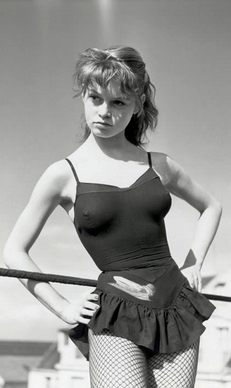 Brigitte Bardot, 1952. Photo: Walter Carone.