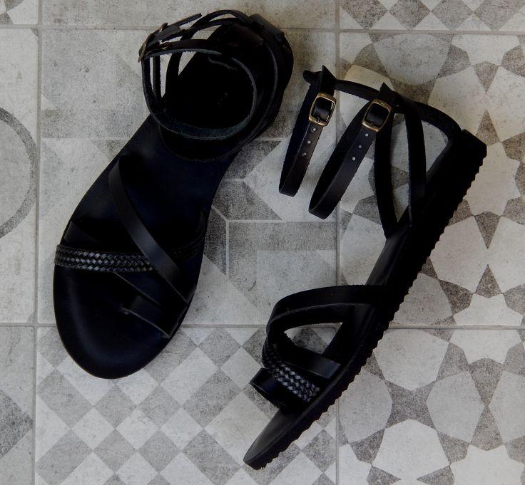 Handmade leather sandal IPHIGENIA .......elegant black .....