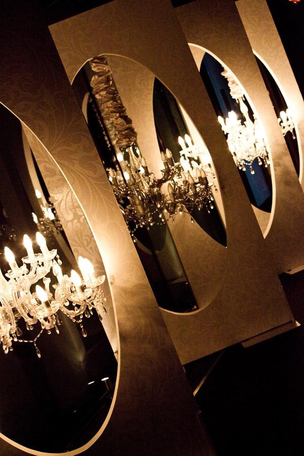 More chandeliers #doltonehousebridalexpo