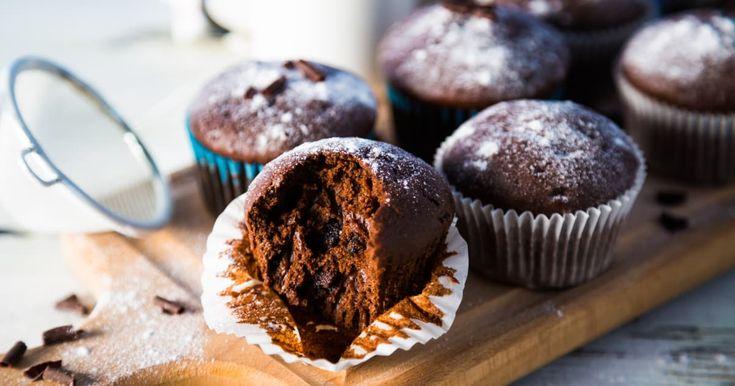 Dégustez à pleine bouche ces délicieux muffins choco-orange à base de dattes, betteraves, de graines de chia et de citrouille! Une vraie collation santé à essayer!