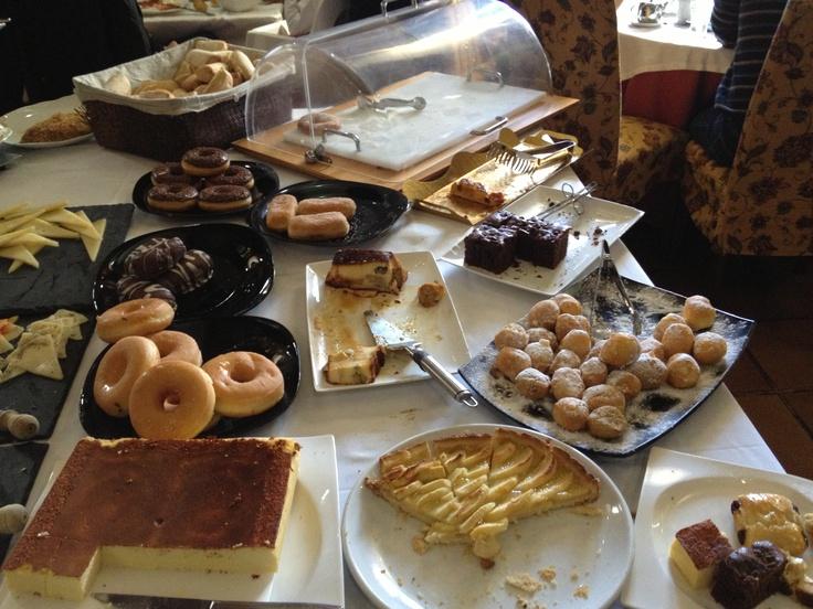 """Desayuno Buffet zona de postres y dulces. """"Café del Infante"""". Villaviciosa de Odón (Madrid)"""